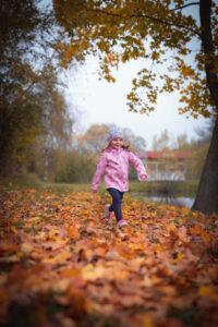 běžící dítě