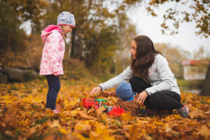 děti v listí